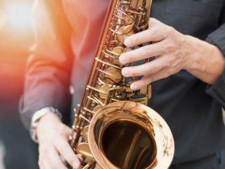 Как научиться играть на музыкальных инструментах?